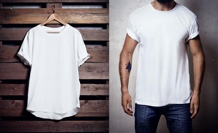 Foto di tshirt bianco appesa a sfondo di legno e uomo barbuto indossando T-shirt chiaro. Archivio Fotografico - 54158925