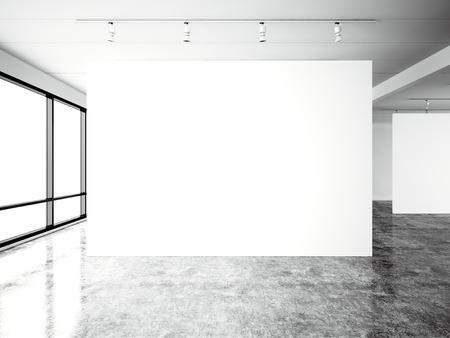 Foto expositie moderne galerij, open ruimte. Blanco witte lege canvas hedendaagse industriële plaats. Gewoon interieur loft stijl met betonnen vloer, panoramische ramen. Stockfoto
