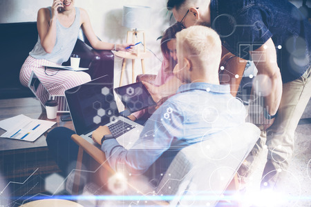 Global Strategy Connection Virtual Icon Graph Interface Diagram Marketing Research Concept.Group People Startup Brainstorming Process.Coworkers Making Great Business Decision Sales Team Discussion Stockfoto