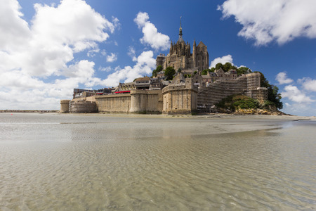 mont: Mont saint michel in france