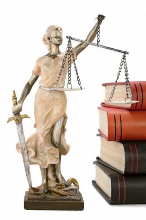 Justiz griechischen Themis, lateinisch Justitia mit verbundenen Augen mit Waage und Schwert Standard-Bild - 12584304