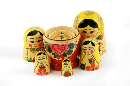 Poup�es russes (ou babouchkas matryoshkas) isol� sur fond blanc