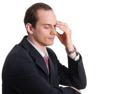 hombre preocupado: Retrato de hombre pensativo ejecutivo aisladas sobre fondo blanco