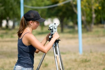 offset angles: The student learns to work with a theodolite at practice