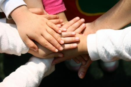Children's hands Reklamní fotografie - 9235627