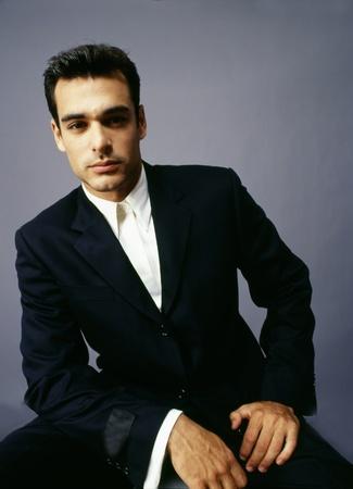 poses de modelos:  buen aspecto modelo de hombre Foto de archivo