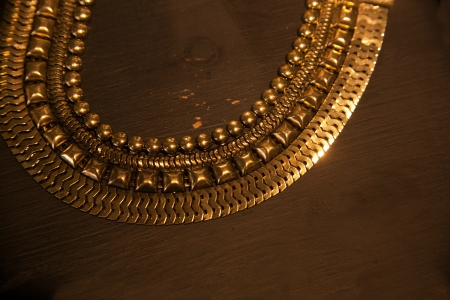 gold luxy neck chain photo