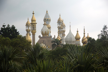 bur dubai: Arabic gold tower