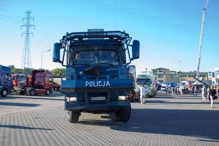 chose: DANZICA Kowale. POLONIA - 7 set Il servizio di Scania piazza Kowale sono svolti gli ospiti XII signorina Scania ei giudici ha scelto il pi� bel camion. 7 set 2013. Kowale Danzica, in Polonia.