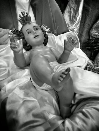 creche: Guarder�a de Navidad en la iglesia cat�lica. Foto de archivo