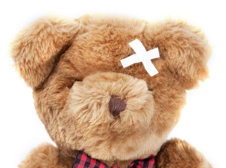 Teddybär auf weißem Hintergrund schlecht