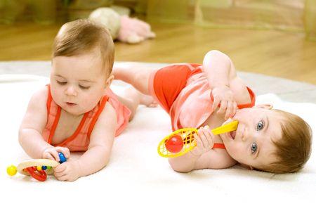 bambine gemelle: ragazze gemelle Archivio Fotografico