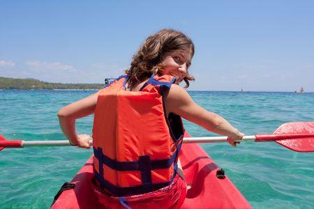 ocean kayak: mujer es kayak Foto de archivo