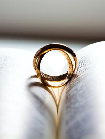 Verlobung: Ehering Lizenzfreie Bilder