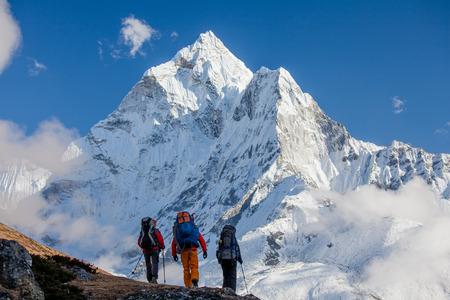 Wandelen in de bergen van Himalayagebergte