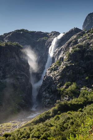 svaneti: Paisaje mountanious de Zemo (superior) Svaneti