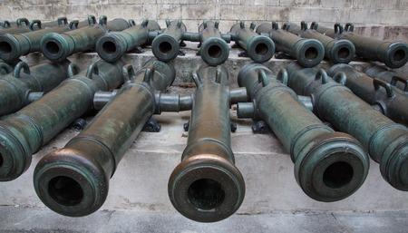 mortal: Ancient artillery Cannons