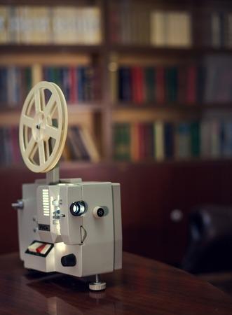 oude filmprojector, het licht van de lens