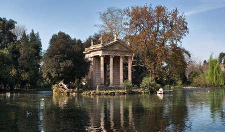 aesculapius: D'Esculapio Tempio (Templo de Esculapio), Roma, Italia Foto de archivo