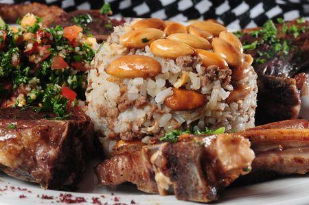 comida arabe: Cordero y arroz. Foto de archivo