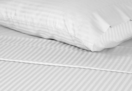 one sheet: Biancheria da letto.