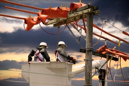 Power lineman  Standard-Bild