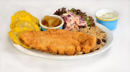 comida colombiana: Cocina empanado peces colombiano Foto de archivo