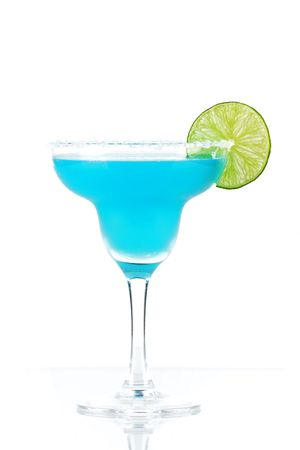 margarita cocktail: Blue margarita cocktail with lime slice isolated on white background Stock Photo
