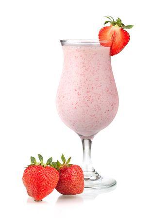 gaseosas: Colección cocktail - cocktail Strawberry leche. Aislados en fondo blanco