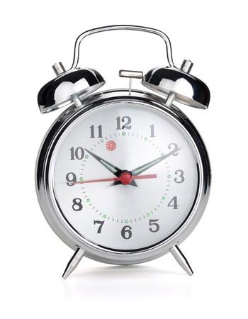 despertador: Reloj de alarma. Aislados en fondo blanco Foto de archivo