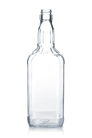 botella de whisky: Botella de whisky vac�a aisladas sobre fondo blanco Foto de archivo