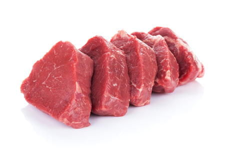 carne asada: Carne de vacuno filete. Aislado en el fondo blanco