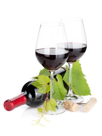 Rode wijn fles en glazen. Geà ¯ soleerd op witte achtergrond Stockfoto - 40196653