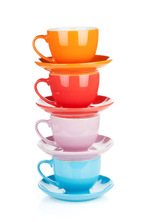 tazas de cafe: Conjunto de tazas coloridas. Aislado sobre fondo blanco