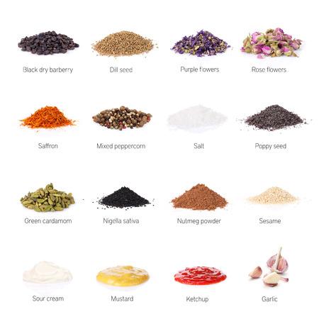 pepe nero: Spezie diverse. Isolato su sfondo bianco