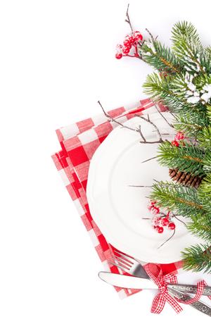 Weihnachtsgedeck mit Tannenbaum. Isoliert auf weißem Hintergrund