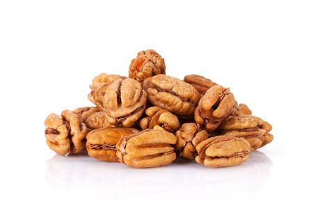 Pecan noten. Geïsoleerd op witte achtergrond Stockfoto