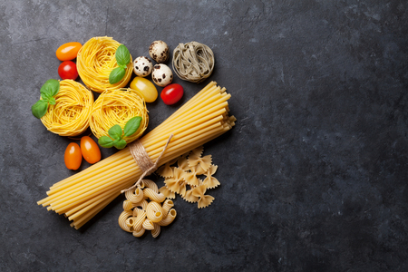 Various pasta. Cooking concept. Top view with space for your text Standard-Bild