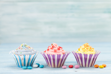 Sweet cupcakes. With space for your greetings Standard-Bild