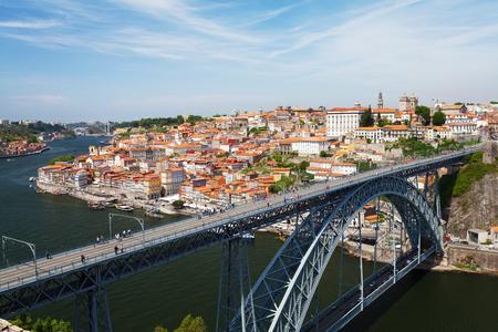 Dom-Luis-Brücke und das alte Porto. Portugal, Europa Standard-Bild
