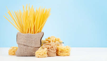 Various types of Italian pasta and copy space Imagens - 162298907