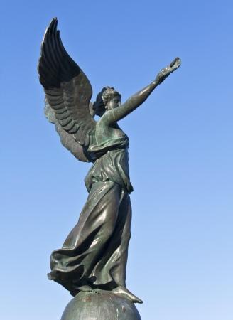 diosa griega: Estatua de la victoria en la isla de Rodas, en Grecia