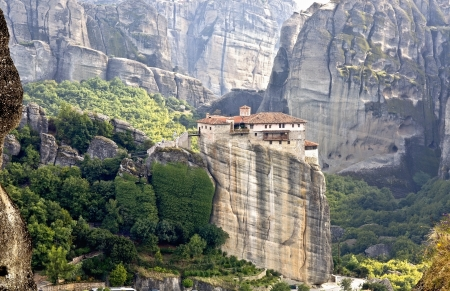 kalabaka: Meteora monasteries and peaks at Kalambaka, Greece