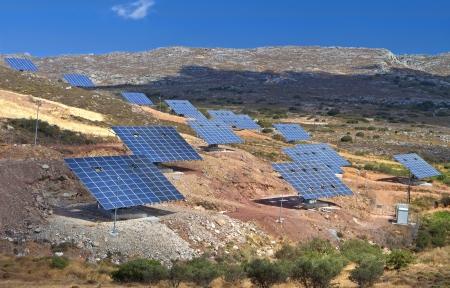 insolación: Unidad de energía solar para la conversión de luz solar en electricidad Foto de archivo