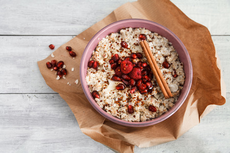 Porridge Frühstück Standard-Bild - 49249189
