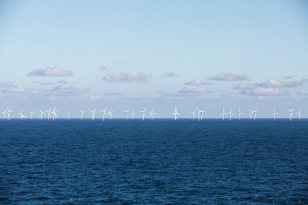 Offshore windmolenpark Stockfoto