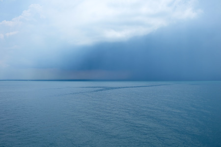 Rain over the Java sea Imagens