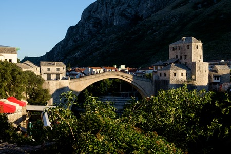 the bridge of Mostar in the afternoon Imagens