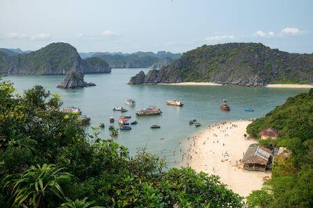 Monkey island beach at Cat Ba, Ha Long Bay, Vietnam - aerial view Imagens