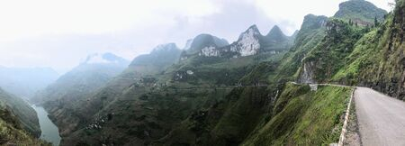 Ha Giang - North Vietnam roads and high mountains Imagens